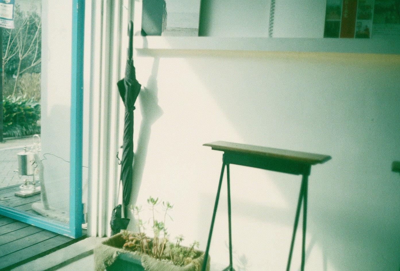 Hiro_takingPhoto-1